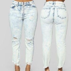 Boyfriend Jeans Bleach zip frayed acid